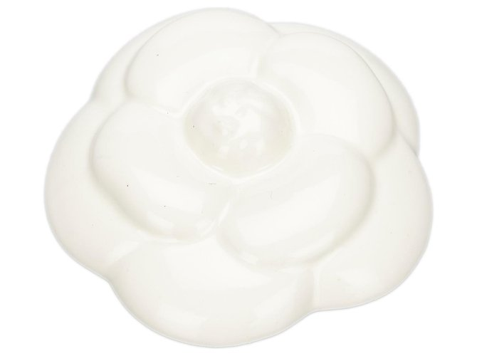 Chanel Chanel White Ceramic Camelia Paper Weight Misc Other,Metal White ref.172348