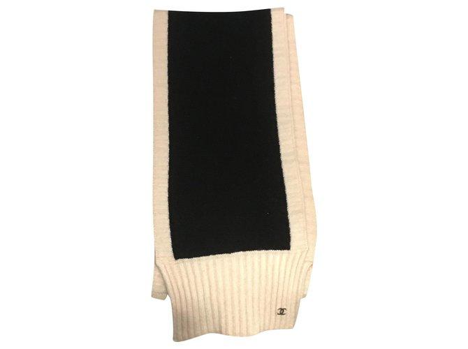 Chanel Scarves Scarves Cashmere Black,Beige ref.172450