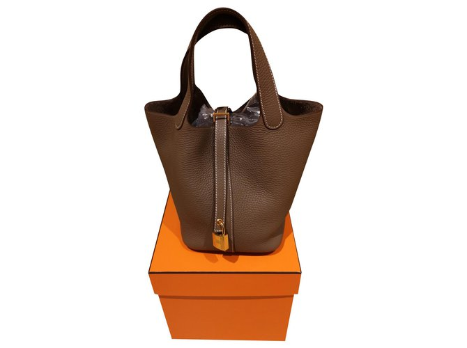 Hermès Hermès Picotin 18 Handbags Leather Taupe ref.174724