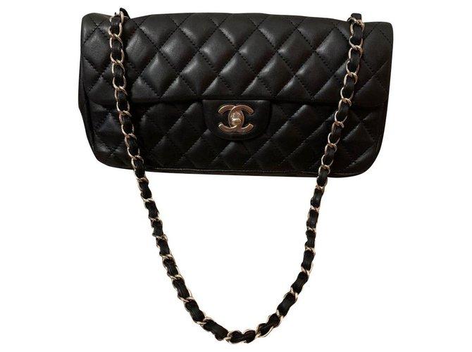Sacs à main Chanel Chanel Cuir Noir ref.174842