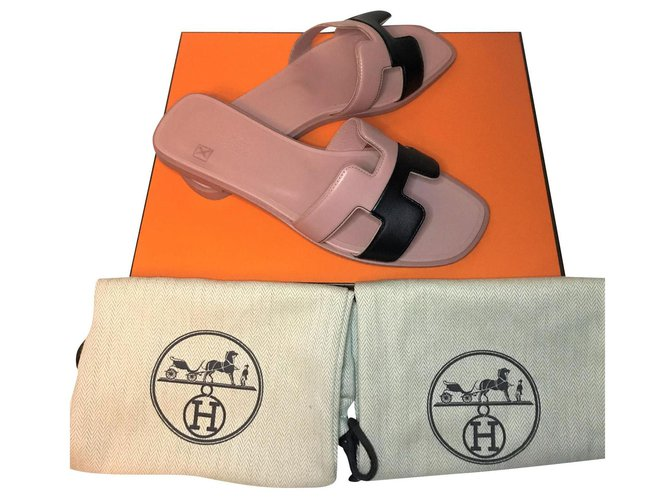 Hermès Hermès Oran sandal Sandals Leather Pink ref.177192