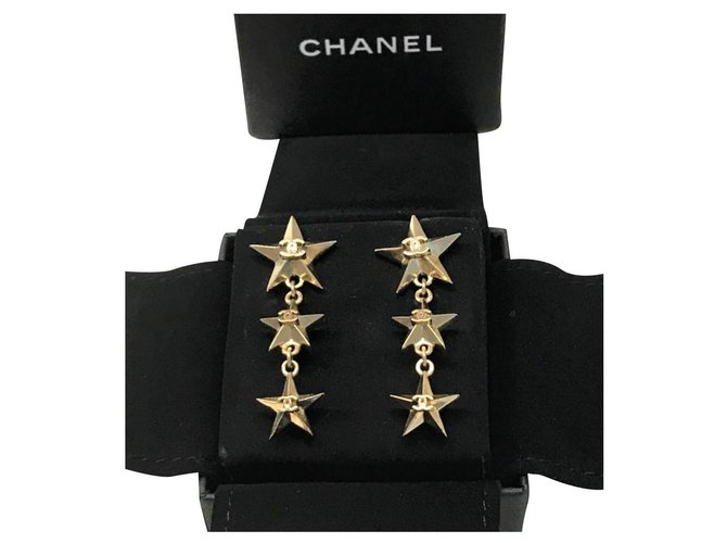 Chanel Chanel star earrings Earrings Metal Golden ref.177733