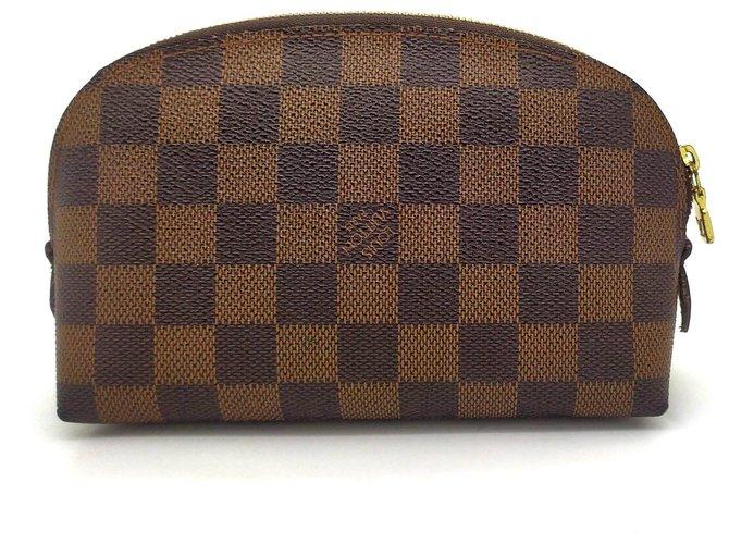 Louis Vuitton Cosmetic bag Handbags Leather Light brown ref.179279