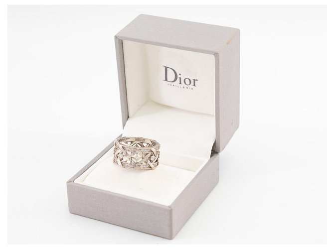 Bagues Dior Bague My Dior en or blanc de 18ko sertie des diamants taille brillant. Or blanc Argenté ref.179747