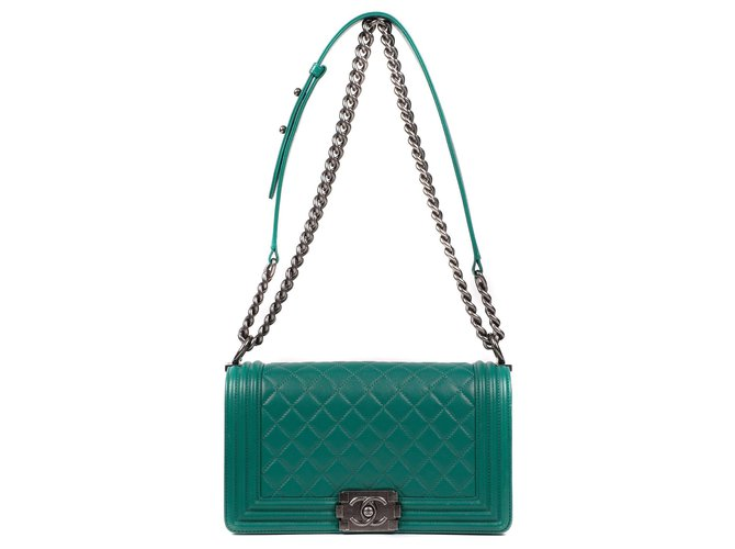 Chanel Chanel Boy bag in green quilted leather , Aged silver metal trim Handbags Leather Green ref.180140