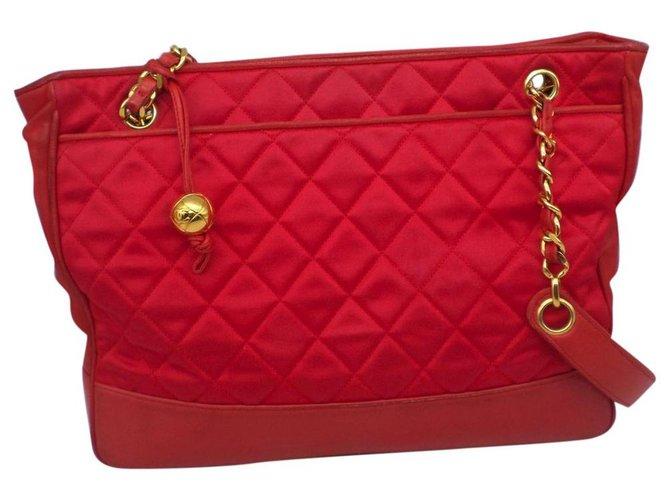 Sacs à main Chanel Sacs à main Soie Rouge ref.180348