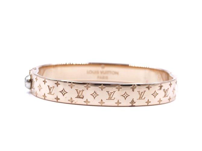 Bracelets Louis Vuitton Louis Vuitton Rose Gold Monogram Nanogram Bangle Taille M Métal Doré ref.181790