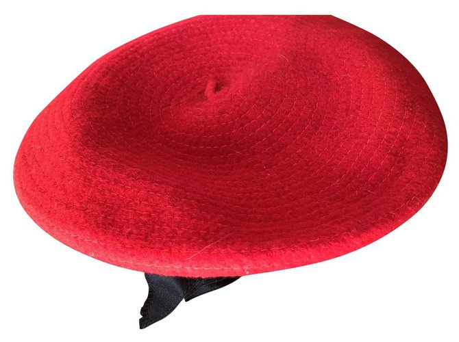 Chanel Hats Hats Wool Red ref.182219