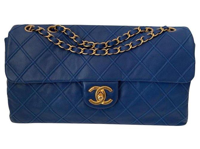 Sacs à main Chanel Chanel Cuir Bleu ref.184234