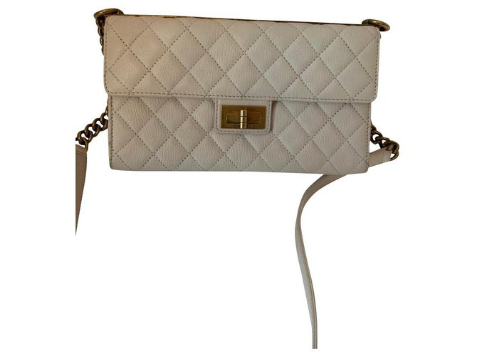 Chanel Chanel Handbags Leather Eggshell ref.184774