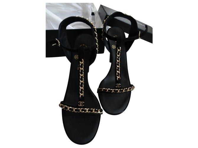 Chanel Heels Heels Suede Black ref.184898