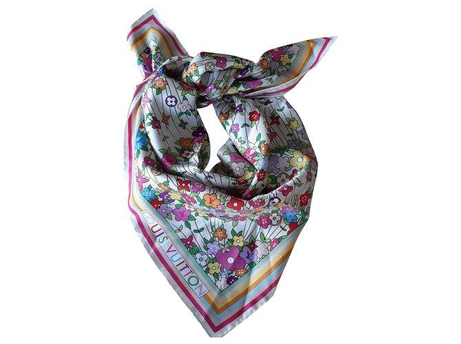 Louis Vuitton Silk scarf Silk scarves Silk Multiple colors ref.185478