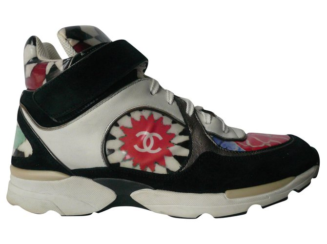 Chanel CHANEL Multicolour sneakers model RARE GOOD CONDITION T39,5 fr Sneakers Leather Multiple colors ref.186807