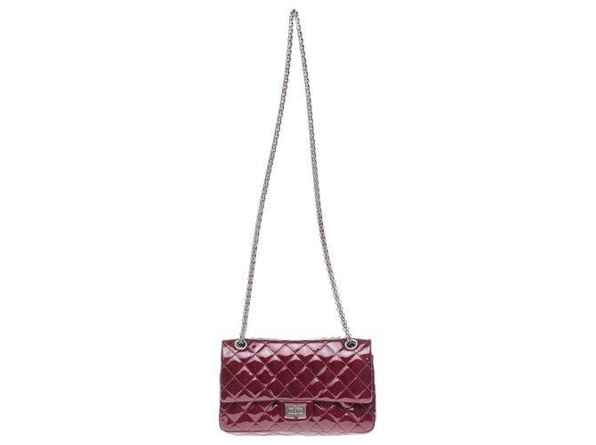 Chanel Superb Chanel handbag 2.55 in burgundy patent quilted leather, Garniture en métal argenté, in excellent condition! Handbags Patent leather Dark red ref.189557
