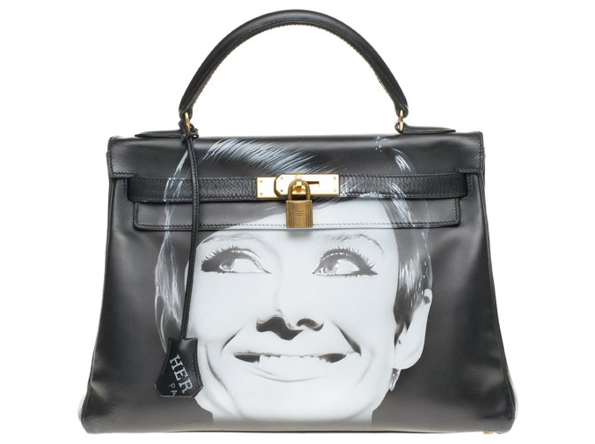 "Hermès Kelly 32 returned with custom black box leather strap ""Audrey Hepburn"" # 60 by PatBo Handbags Leather Black ref.189773"