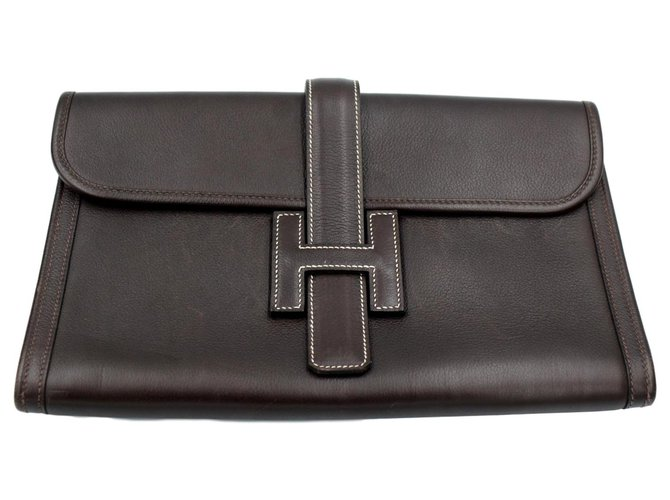Hermès Hermes vintage Jige clutch in brown grained leather. Clutch bags Leather Brown ref.190149