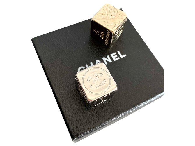 Chanel Chanel dice game Misc Metal Silvery,Golden ref.191403