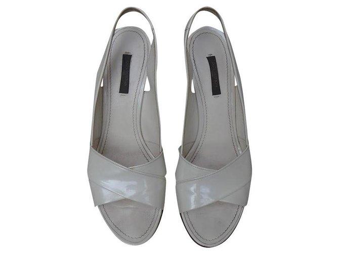 Louis Vuitton Sandals Sandals Patent leather Cream ref.196185