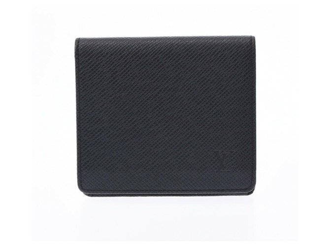 Louis Vuitton Louis Vuitton Taiga Wallets Small accessories Leather Black ref.196367