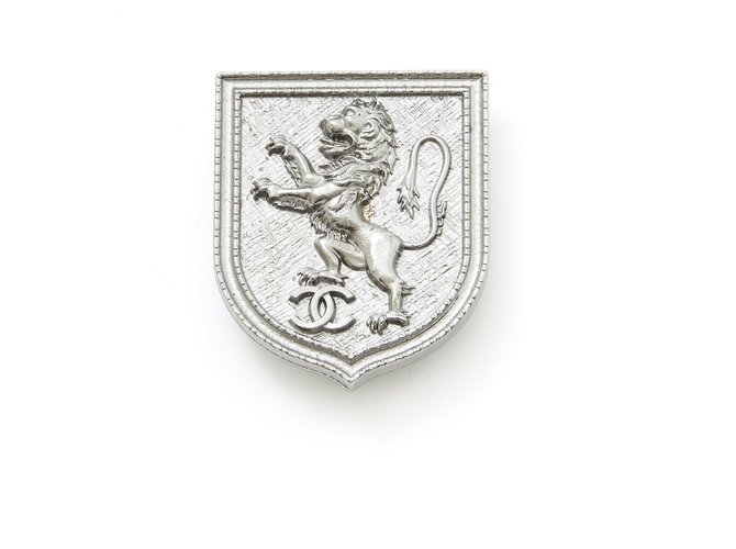 Chanel LION BLAZON Pins & brooches Metal Silvery ref.196399