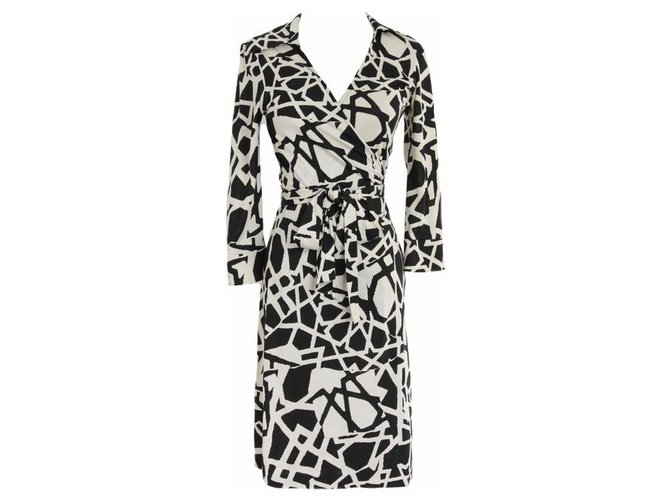 Robes Diane Von Furstenberg Robe Portefeuille En Soie Dvf Justin Soie Noir Blanc Ref 198474 Joli Closet