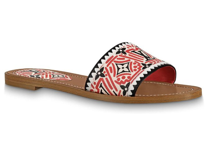 Louis Vuitton LV crafty Lock it flat mules Sandals Leather Red ref.208090