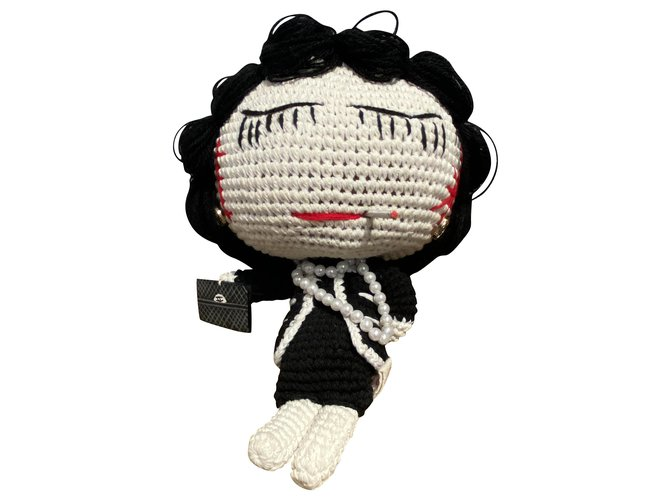 Chanel Misc Misc Wool Black,White,Red ref.211630