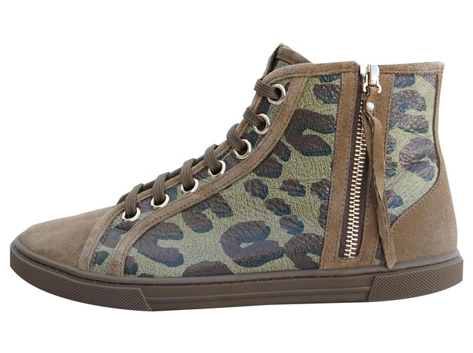 Louis Vuitton Sneakers Sneakers Suede,Leather,Cloth Khaki ref.220338