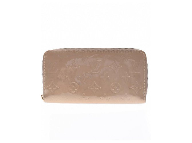 Louis Vuitton Louis Vuitton Zippy Wallet Purses, wallets, cases Patent leather Beige ref.220498
