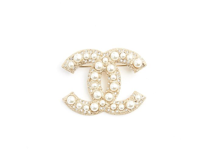 Chanel GOLDEN CC DIAMONDS AND PEARLS Pins & brooches Metal Golden ref.220639
