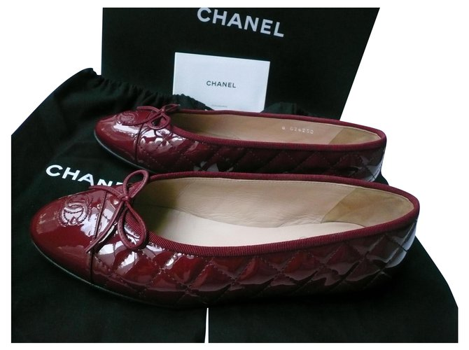 Chanel CHANEL Quilted carmine red patent leather ballerinas T39 IT Ballet flats Patent leather Red ref.221757