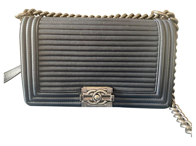 Boy Chanel Handbags Blue Leather  ref.222386