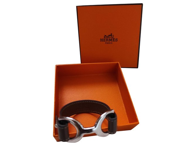 Bracelets Hermès Bracelet Pavane Hermès en cuir couleur taupe Cuir Taupe ref.224405