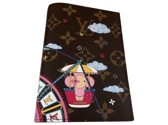 Louis Vuitton Purses, wallets, cases Purses, wallets, cases Leather Multiple colors ref.225973