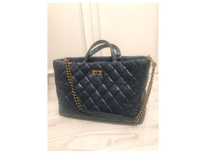 Chanel Handbags Handbags Leather Navy blue ref.227897