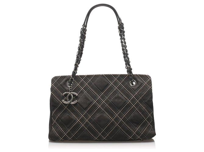 Sacs à main Chanel Sac à bandoulière Chanel en daim Wild Stitch marron Suede,Cuir Marron,Marron foncé ref.230807
