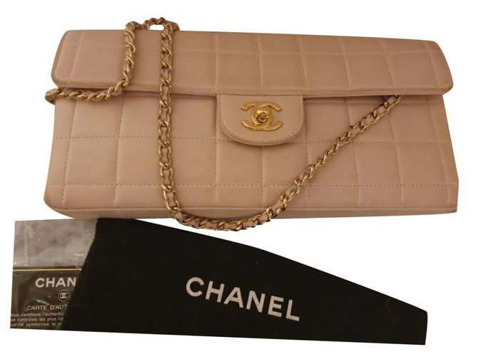 Chanel East West Chocolate Bag Handbags Lambskin Cream ref.232744