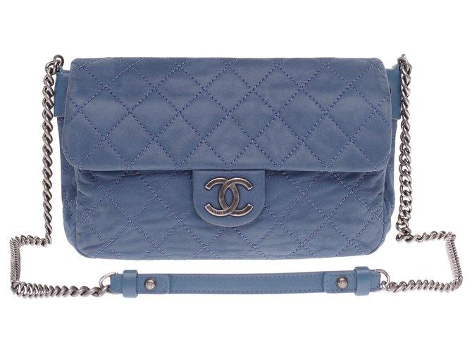 Chanel Chanel Classique handbag in blue quilted coated leather, Garniture en métal argenté Handbags Leather Blue ref.233249