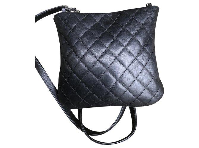 Chanel Chanel bag Handbags Leather Black ref.234166