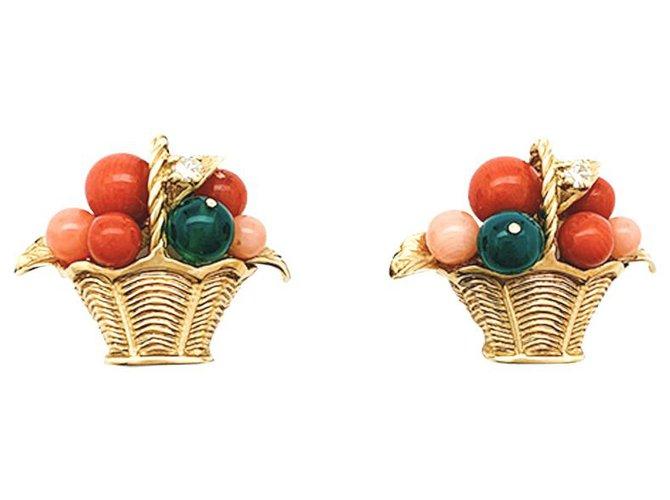 """Boucles d'oreilles Van Cleef & Arpels Boucles d'oreilles Van Cleef & Arpels """" Paniers de fruits"""" en or jaune, corail, chrysoprases et diamants. Autre,Or jaune Autre ref.234985"""