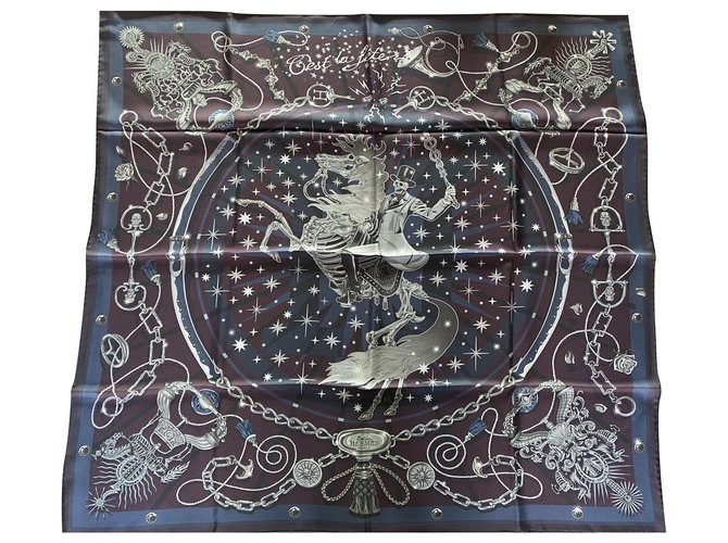 Hermès Silk scarves Silk scarves Silk Blue ref.237911