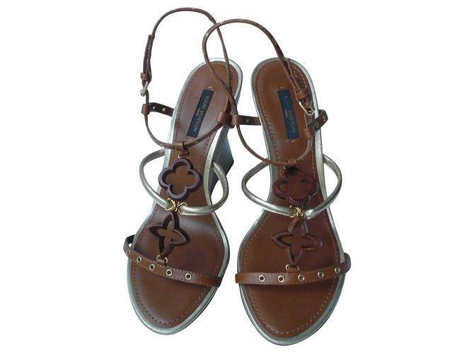 Louis Vuitton LOUIS VUITTON Sandales compensées Caramel T37,5 IT Sandals Leather Brown ref.242453