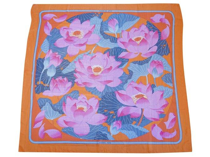 Hermès Silk scarves Silk scarves Silk Multiple colors ref.246500