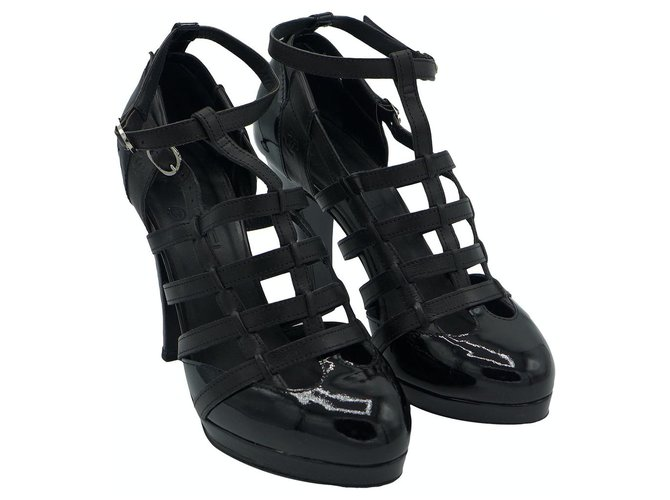 Chanel Multi strap sandals Black Patent leather  ref.247368