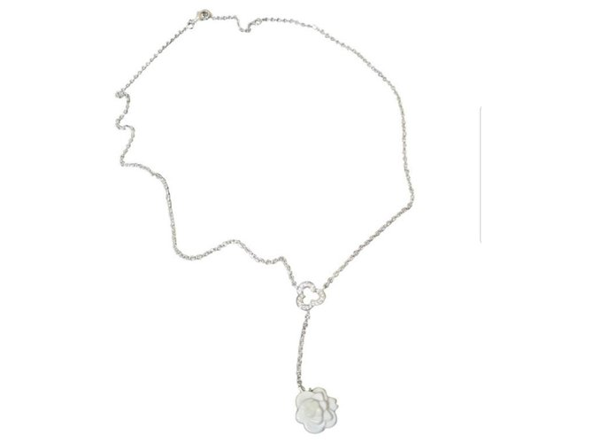 Chanel 18K White Gold Camelia Agate Diamond Necklace Golden  ref.248507