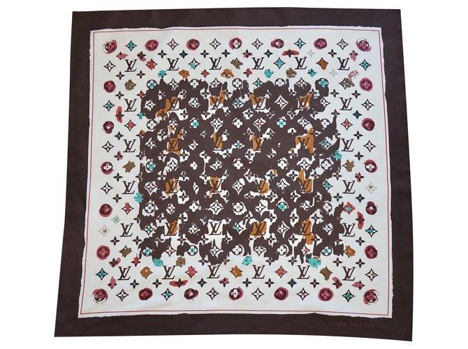 Louis Vuitton Silk scarves Multiple colors  ref.252232