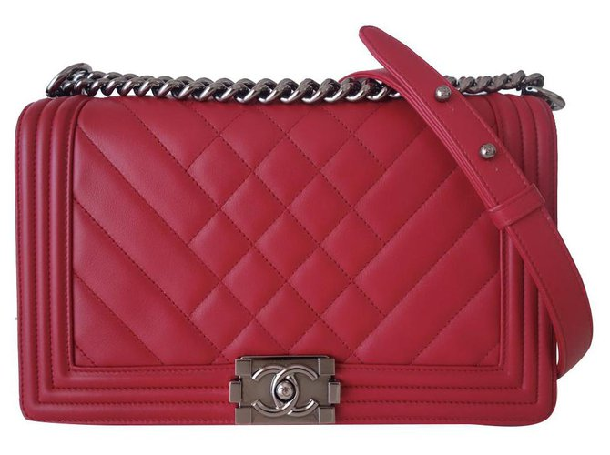 Chanel Boy red bag Leather  ref.255410