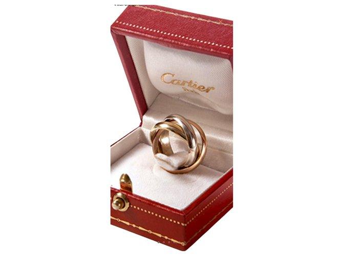 """Bagues Cartier Modèle """"Trinity de Cartier """" avec son écrin d'origine. Or jaune Doré ref.264771"""