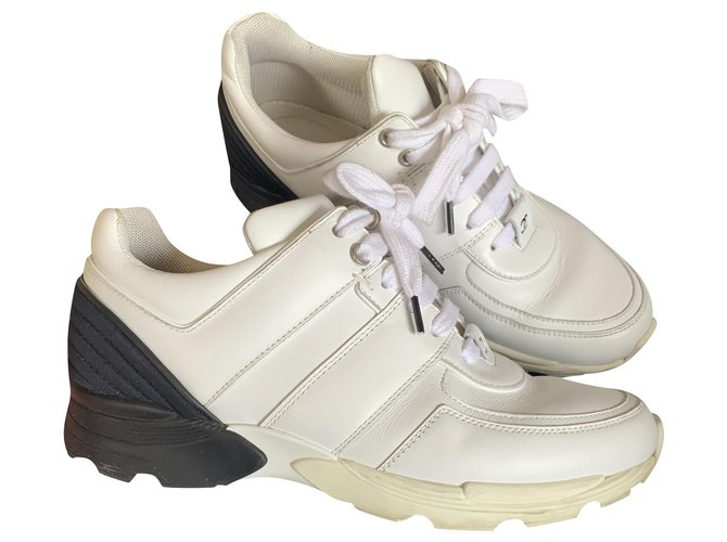 Chanel Sneakers White Leather  ref.269054