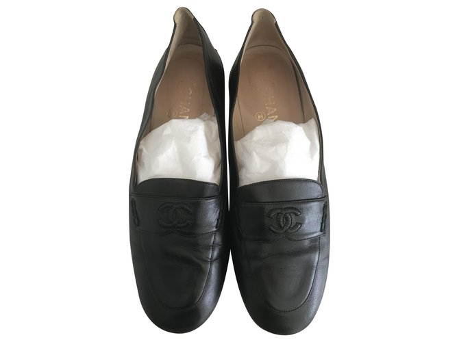 Chanel Leather loafers Flats Leather Black ref.273070